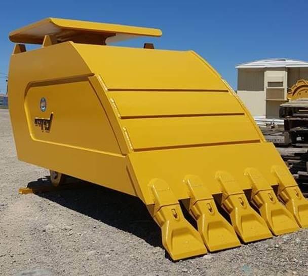 Yellow compactor bucket Felco hydraulic attachment