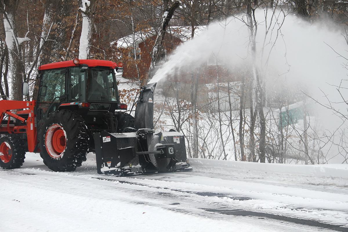rear pull tractor snowblower erskine large sales rentals heavy duty