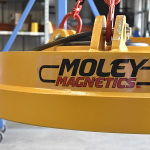 230-Volt scrap moley magnet suspended